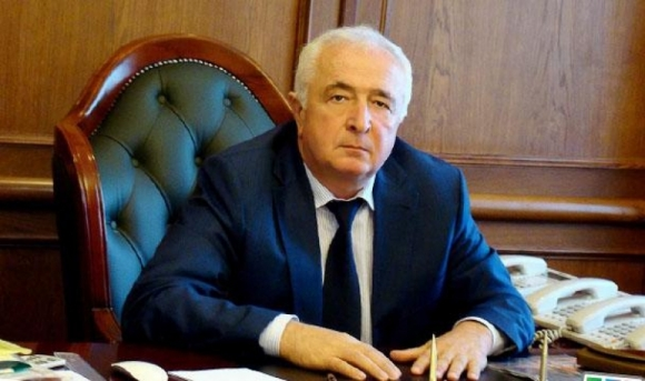 Идут обыски в доме и на работе врио министра строительства, архитектуры и ЖКХ Дагестана