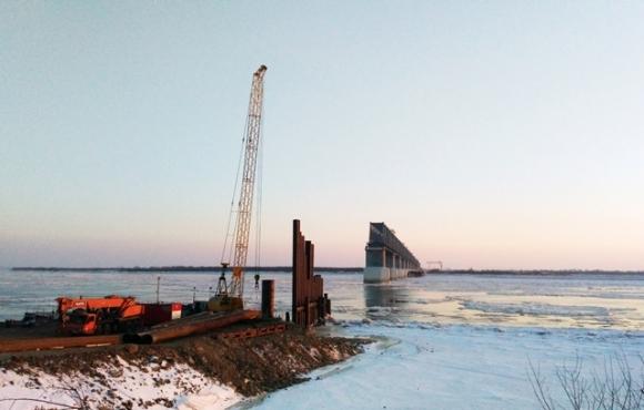 Россия никак не построит свои 300 метров моста в Китай через Амур – рабочие бастуют