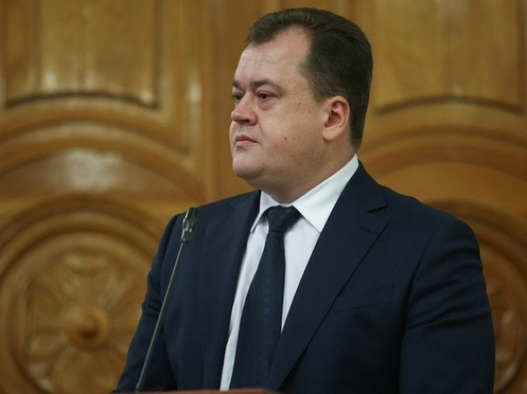 Астраханский экс-министр строительства арестован в Москве,а в Минстрое идет обыск
