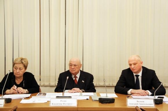 Госзакупки, крах генподряда и самоликвидацию СРО обсудили  на Экспертном Совете Госдумы
