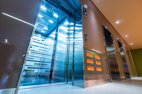 Производители лифтов будут сопровождать их на всем жизненном цикле